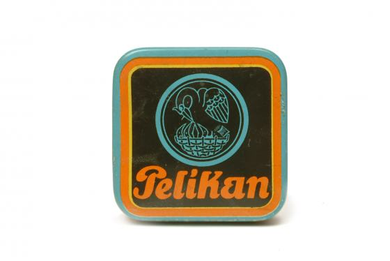 Blechdose der Firma Pelikan, Sammlung Werkbundarchiv - Museum der Dinge