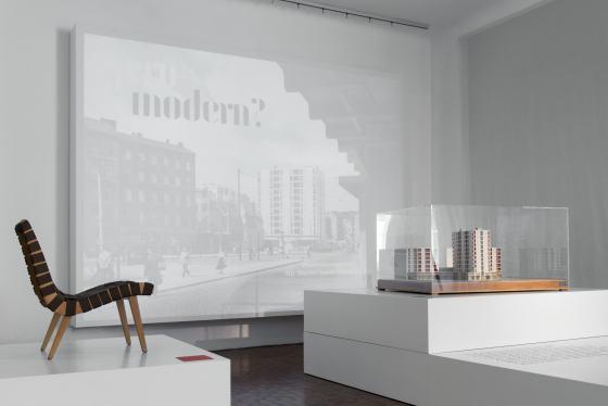 Ausstellung gern modern? Eingangsinstallation, Foto: Katrin Greiling