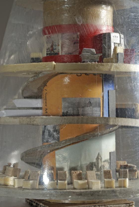 """Ausstellung """"Im Inneren der Apparate"""", Werke von Matias Bechtold, Werkbundarchiv - Museum der Dinge, Foto Jürgen Baumann"""