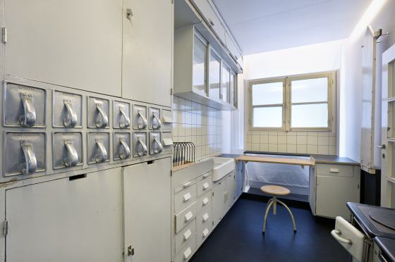 Frankfurter küche im werkbundarchiv museum der dinge foto christian muhrbeck