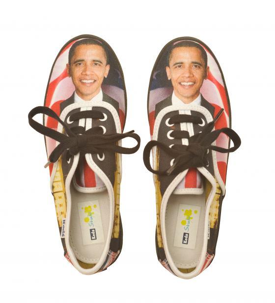 Schuhe mit Obama-Motiv, Sammlung Werkbundarchiv - Museum der Dinge