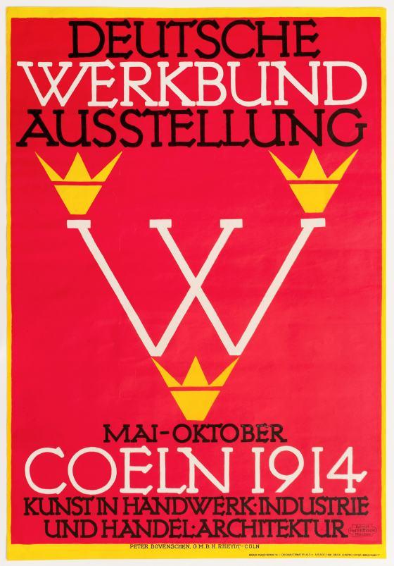 """Rotes Plakat mit gelbem Rahmen. Mittig zwischen Plakattext der Buchstabe """"W"""" in weiß, in gelb drei Kronen darum"""